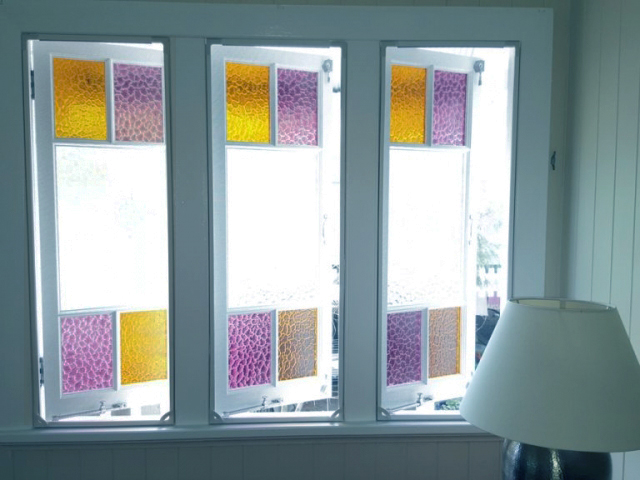 Our Magnetic InsectScreens are the perfect solution to stop annoying Mosquitos & Flies coming in the room. These beautiful coloured glass casement windows can easily be opened and closed by using the Finger Pull Tabs and easily snap back