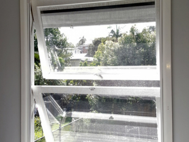 Double Hung windows fitted with Magnetic Insect Screens  by Brisbane Magnetic Screens.